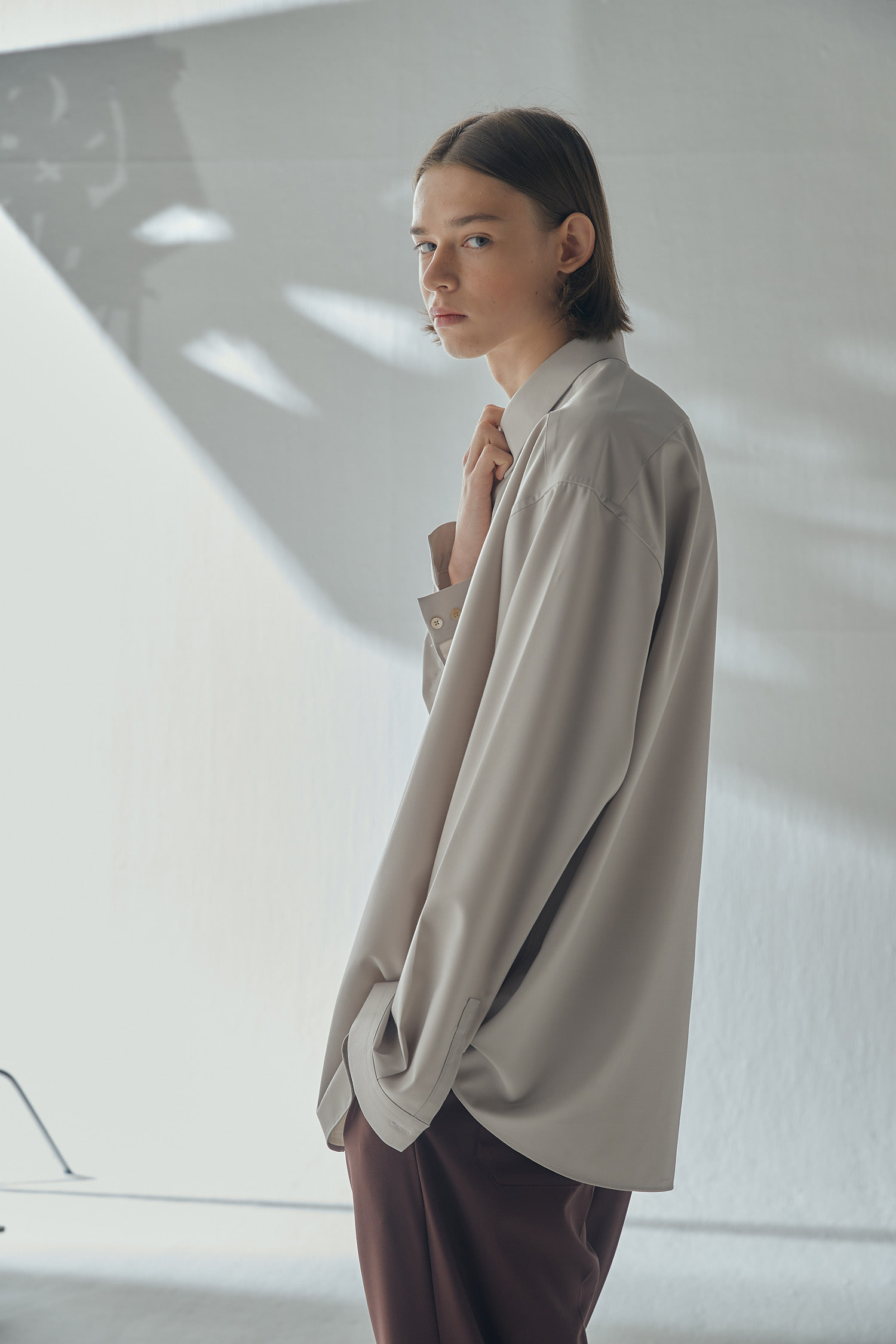 HIDDEN MINIMAL SHIRT (light grey,라이트그레이)